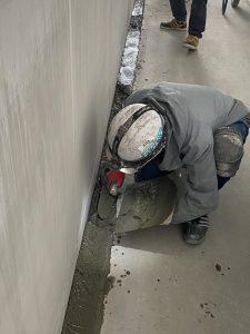 溝底勾配モルタル塗り付け